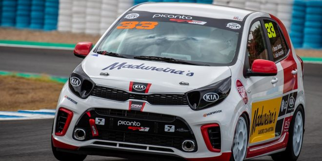 """Rookies"" da Veloso Motorsport com jornada difícil em Jerez"